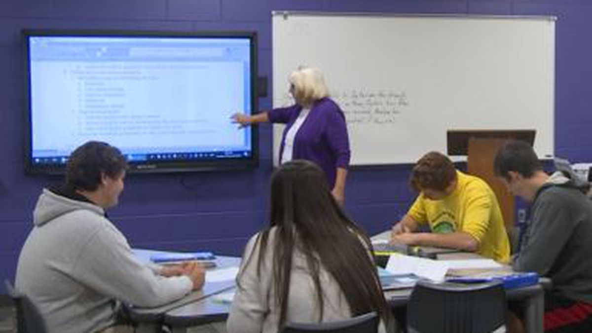 Although Florida's governor wants to raise the minimum salaries for teachers, it would cost the state $600 million which has many asking- where will that money come from? (WJHG/WECP)