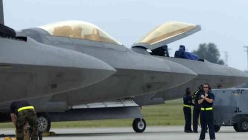Air Force F-22 Raptors