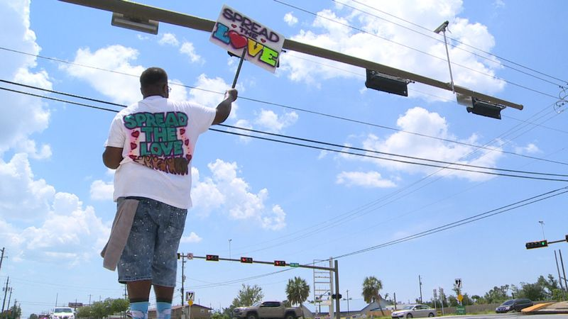 The community stepped in to help Decaris Hunter spread love and get a place to call his own