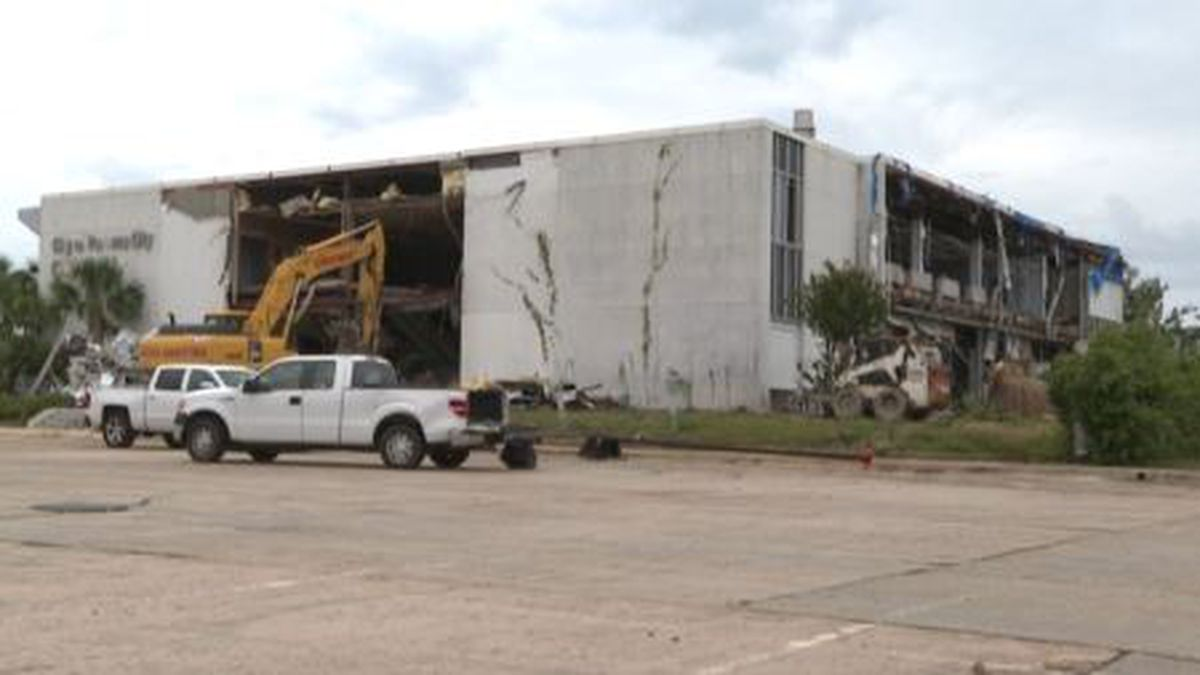 The former Panama City city hall is expected to be demolished in about two weeks. (WJHG/WECP)