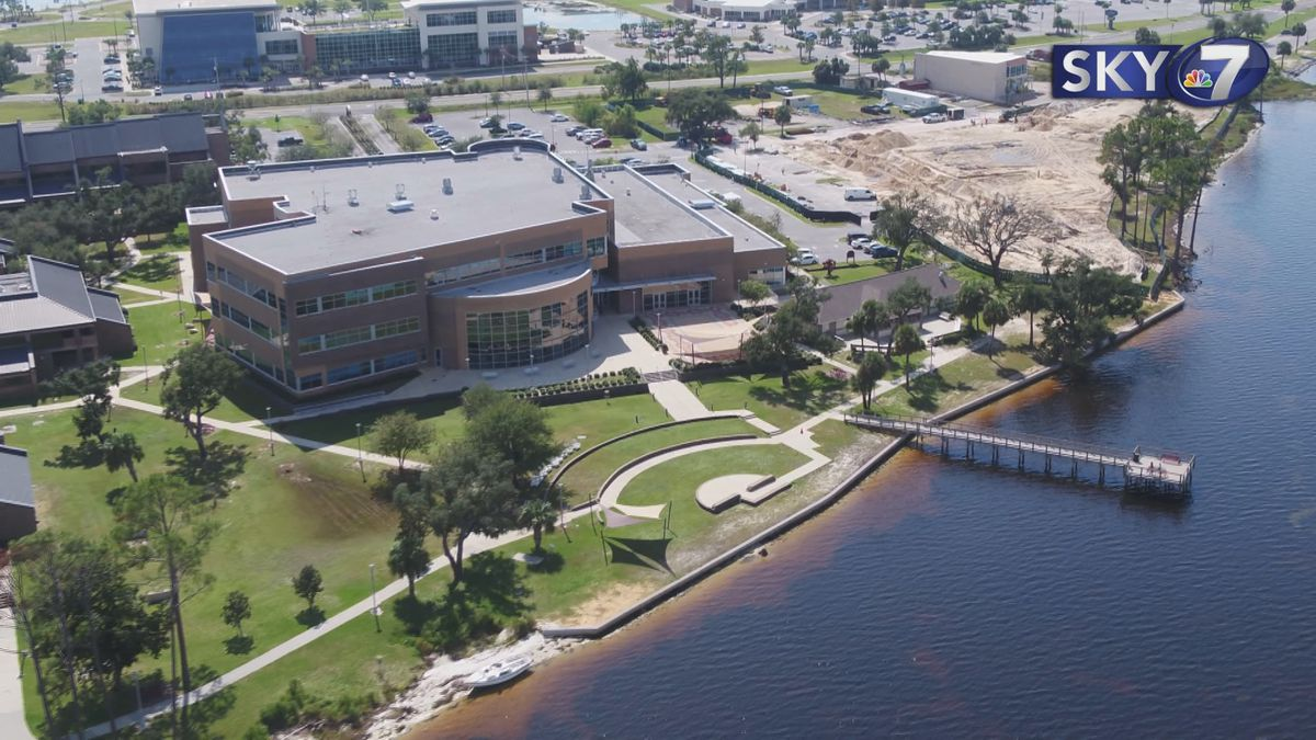 FSU Panama City honored the Chapman Family Foundation with a naming ceremony at FSU's Holley...