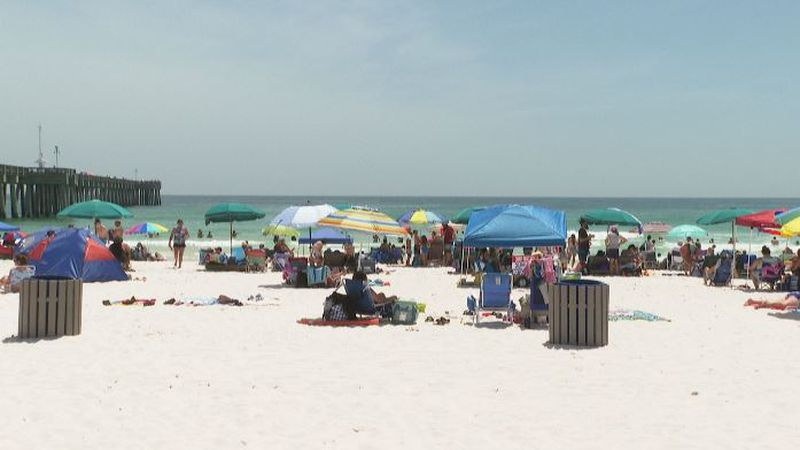Visitors at the beach for Memorial Day weekend. (WJHG/WECP)