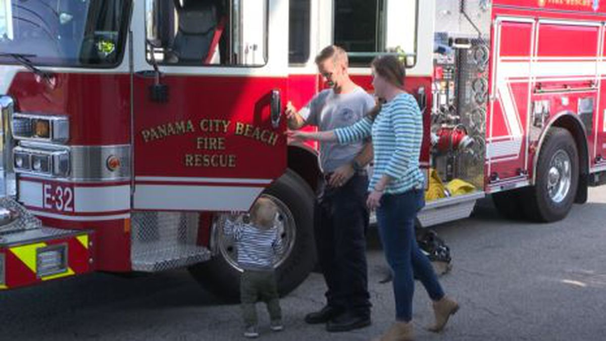 One Panama City Beach firefighter got a special visit from his wife and baby son while he worked 24 hours on Thanksgiving day. (WJHG/WECP)