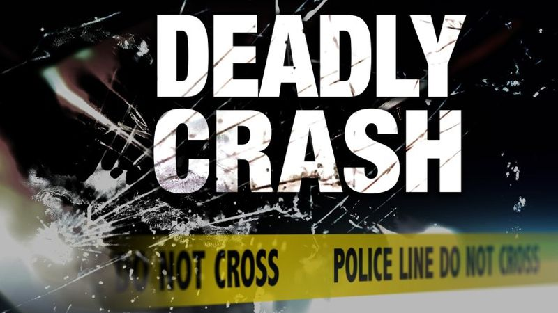 Three people are dead in a Ponce de Leon  traffic crash Wednesday morning.