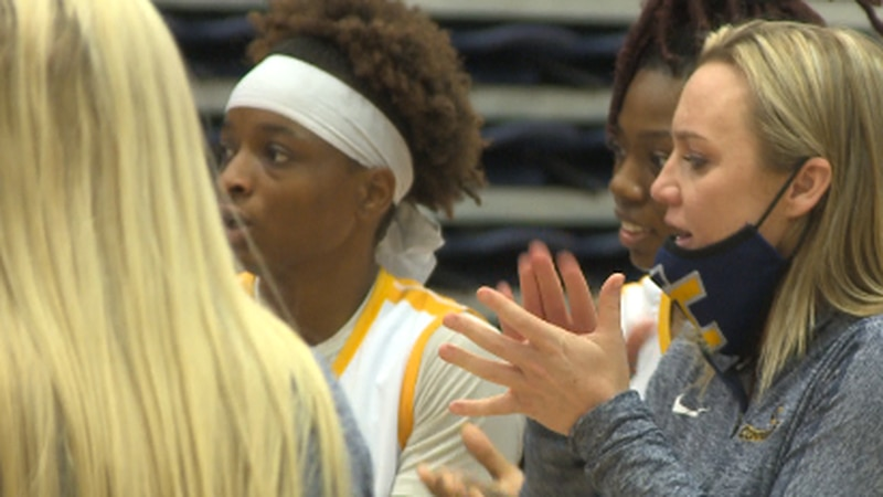 Cayla Petree was victorious in her debut as head coach for the Lady Dores.