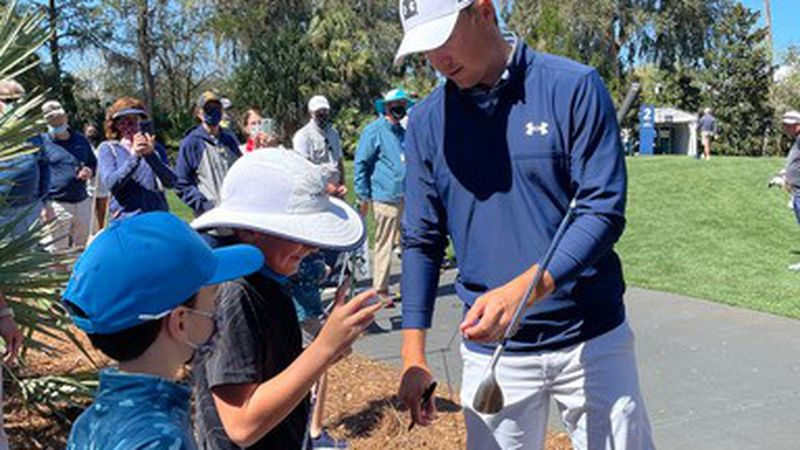 Southport Elementary student gets to try out his class project on PGA Tour star