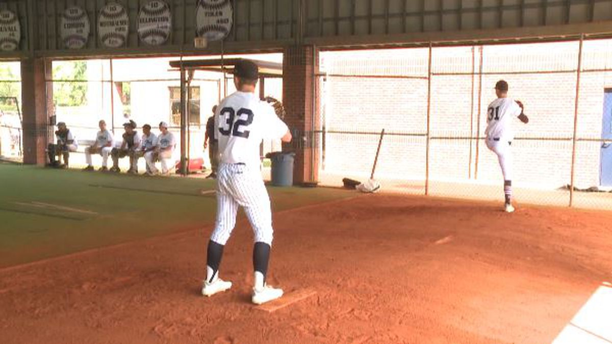 Pitchers and catchers took the field Sunday morning, with position players in the spotlight Saturday.