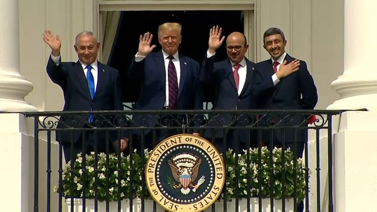 Israeli Prime Minister Benjamin Netanyahu, from left, President Donald Trump, Bahrain Foreign Minister Khalid bin Ahmed Al Khalifa and United Arab Emirates Foreign Minister Abdullah bin Zayed al-Nahyan wave after a signing ceremony outside the White House on Tuesday.