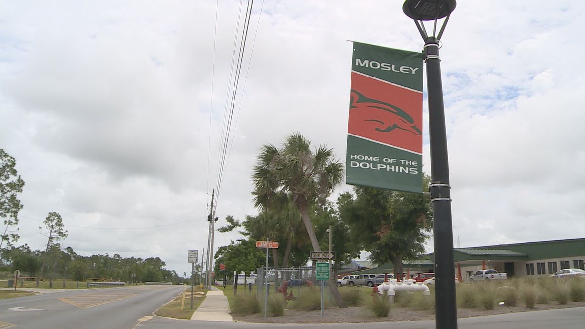 Mosley is hosting its senior parade Tuesday afternoon at 1:30.<br />(WJHG/WECP)