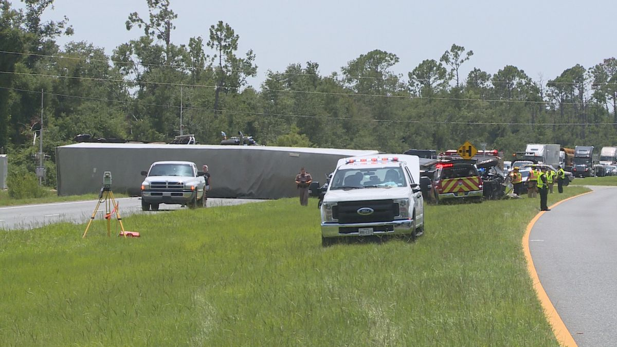 The rollover accident blocked both northbound lanes of Highway 231.