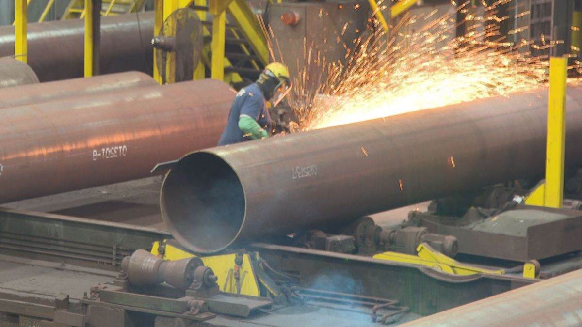 Many local  industrial jobs like manufactures are doing well despite the outbreak. (WJHG/WECP)