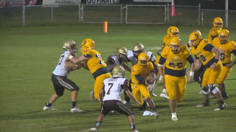 The Sneads Pirates defeated the Liberty County Bulldogs, 43-14, Thursday night in the first...