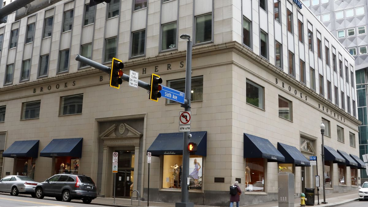 This is the Brooks Brothers store in Downtown Pittsburgh on Wednesday, May 6, 2020.