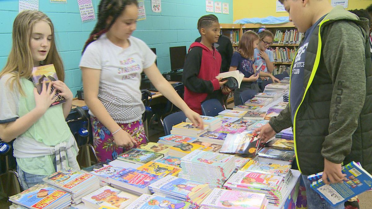 Students were excited to pick out their favorite book to call their own. (WJHG/WECP)