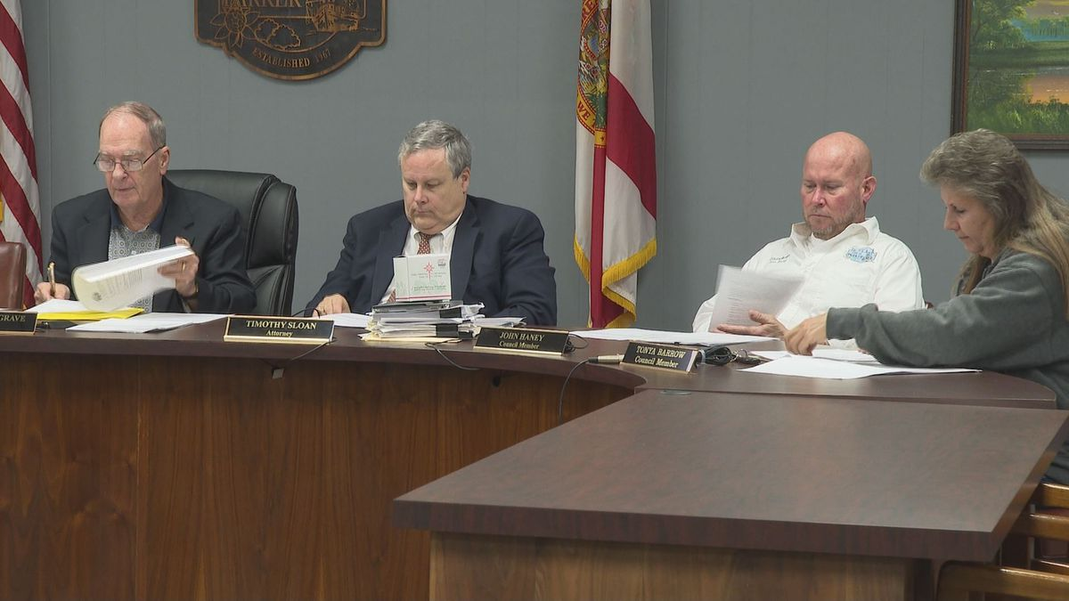 Parker City Officials are working out  a plan to rebuild the La Brisa Inn. (WJHG/WECP)