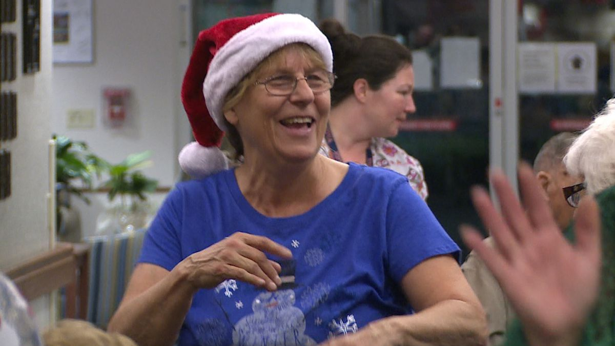 The Emerald Coast Rotary Club helped veterans get into the Christmas spirit Monday. (WJHG/WECP)